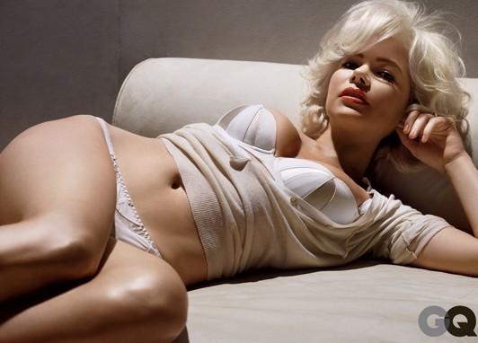 Michelle Williams gioca a fare la Monroe su GQ per promuovere 'My Week With Marilyn'
