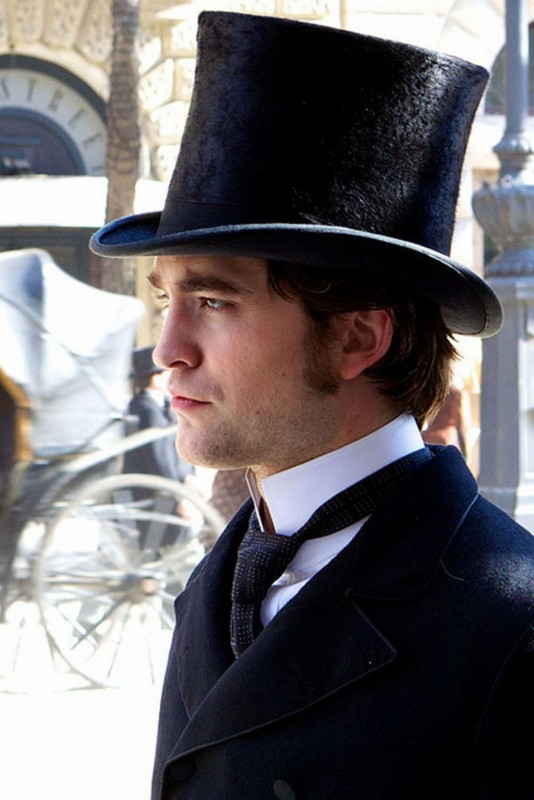 Bel Ami: Robert Pattinson in una scena del film interpreta Georges Duroy