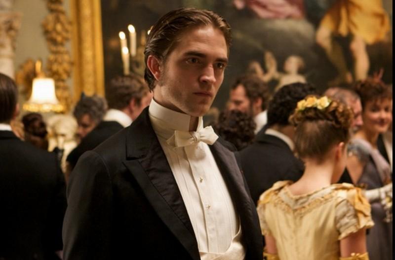 Bel Ami: Robert Pattinson in una scena del film nei panni di Georges Duroy
