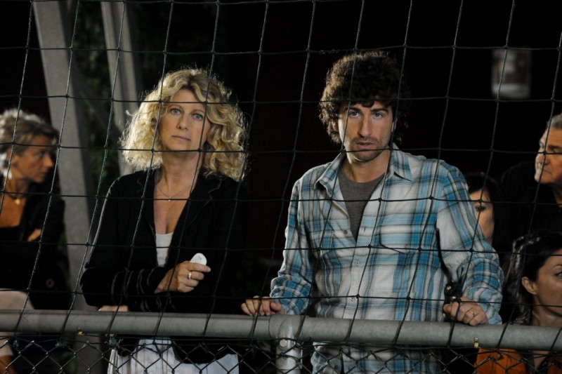 Benvenuti al Nord: Alessandro Siani insieme ad Angela Finocchiaro in una scena del film
