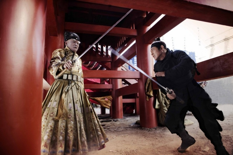 Jet Li in una scena di The Flying Swords of Dragon Gate