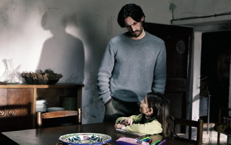 Dictado: Juan Diego Botto e Mágica Pérez in una scena del film
