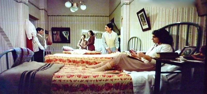 Film - Dichiarazioni d'amore - scenografia stanza delle ragazze realizzata da G. Pirrotta