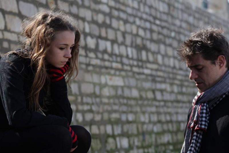 Thierry Neuvic nel francese Les papas du dimanche con Nina Rodriguez