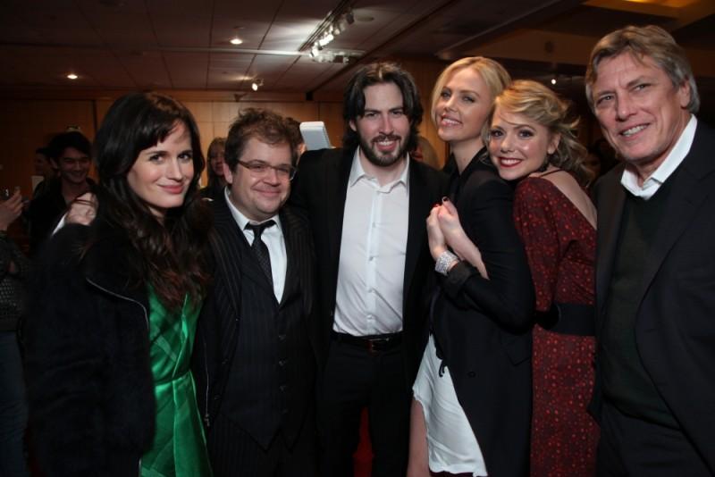 Young Adult: il cast del film insieme al regista in una foto promozionale