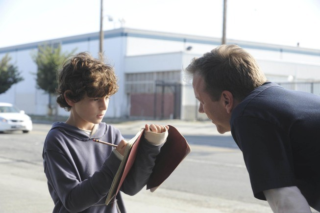 Touch: Kiefer Sutherland e David Mazouz nel pilot della serie