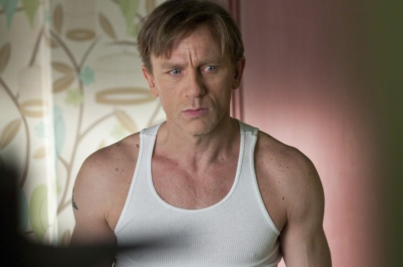 Daniel Craig con uno sguardo allucinato in un'immagine di Dream House