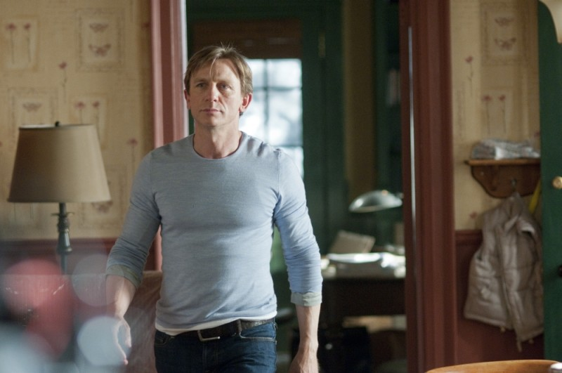 Daniel Craig, protagonista del thriller Dream House in una scena