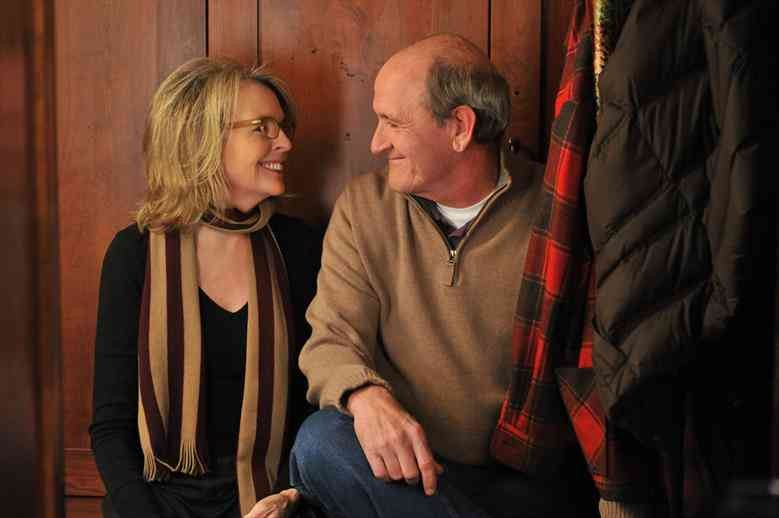 Diane Keaton e Richard Jenkins discutono in Darling Companion