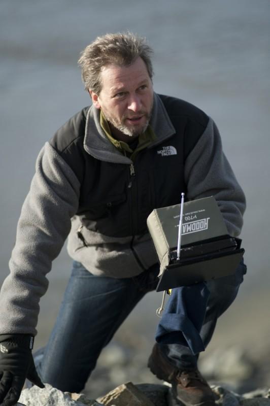 Il regista Ken Kwapis sul set di Qualcosa di straordinario
