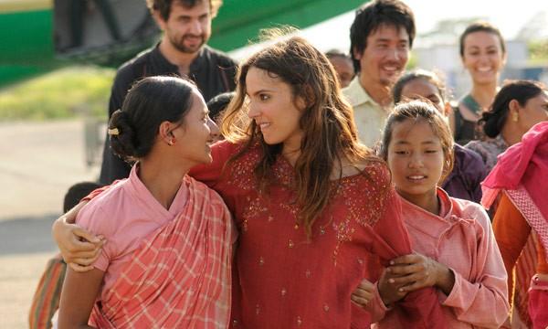 Verónica Echegui è la protagonista di Katmandú, un espejo en el cielo