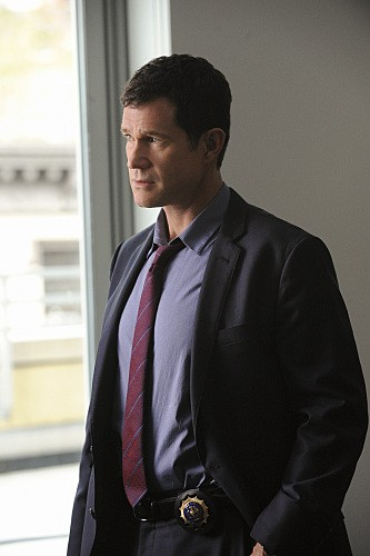 Unforgettable: Dylan Walsh nell'episodio Check Out Time