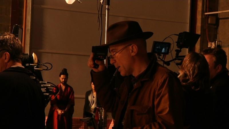 Il direttore della fotografia John Mathieson in una scena del documentario Side by Side