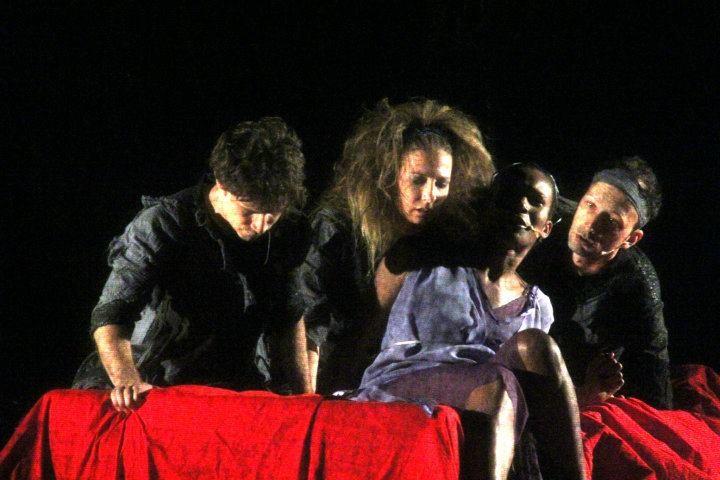 Mario Massaro e Denny Mendez a teatro con Fedra