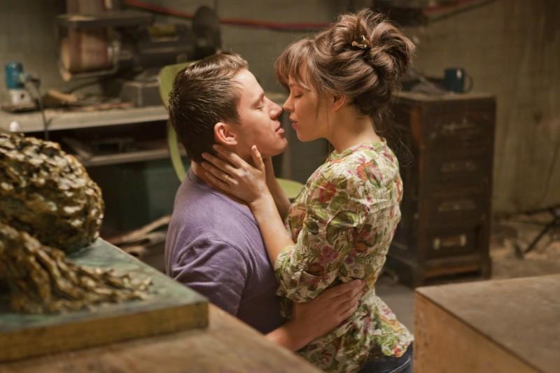 Rachel McAdams con Channing Tatum in una tenera scena del film La memoria del cuore