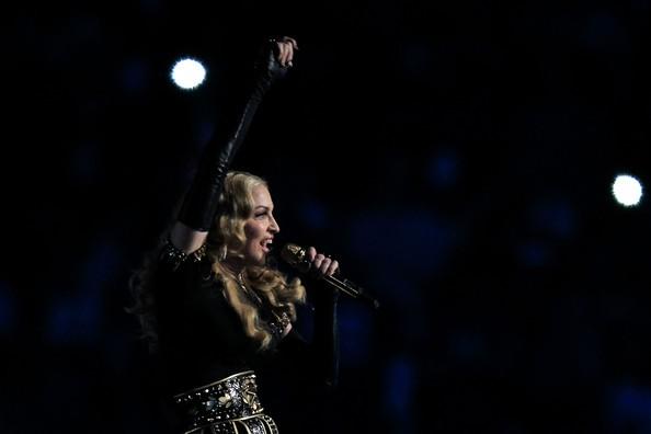 Madonna ai SuperBowl 2012 durantre la sua esibizione