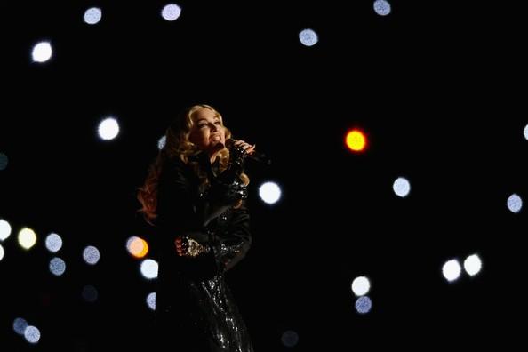 Madonna al SuperBowl 2012 durantre la sua esibizione