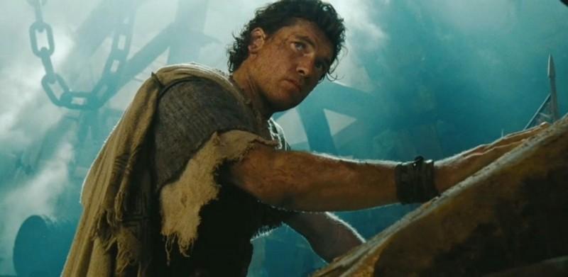 Sam Worthington nei panni di Perseo in una scena di La furia dei Titani