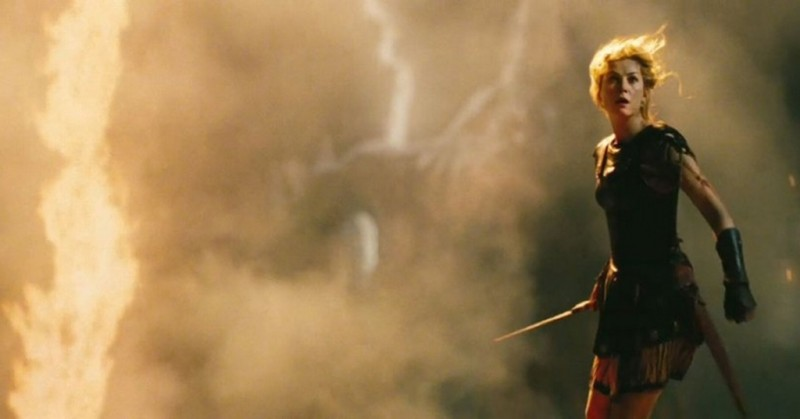 Wrath of the Titans: Rosamund Pike in una scena d'azione del film