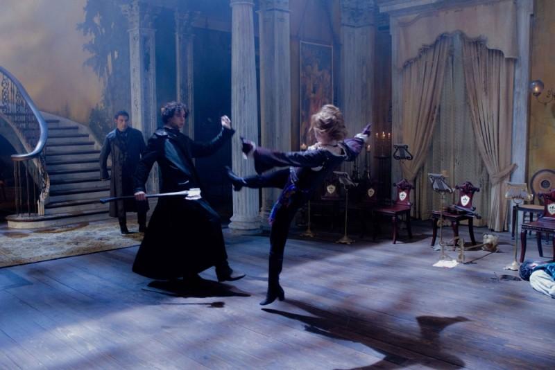 Una scena di combattimento tratta dal film La leggenda del cacciatore di vampiri
