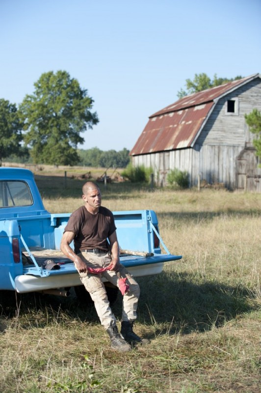 The Walking Dead: Jon Bernthal in una scena dell'episodio Nebraska