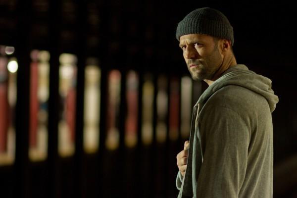 Un minaccioso primo piano di Jason Statham in Safe