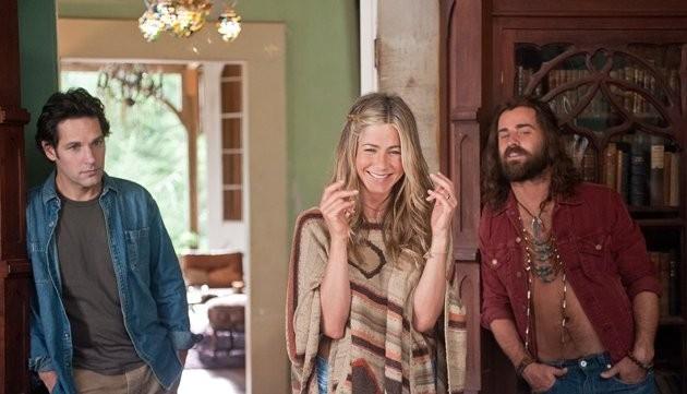 Jennifer Aniston con Justin Theroux e Paul Rudd in Nudi e Felici