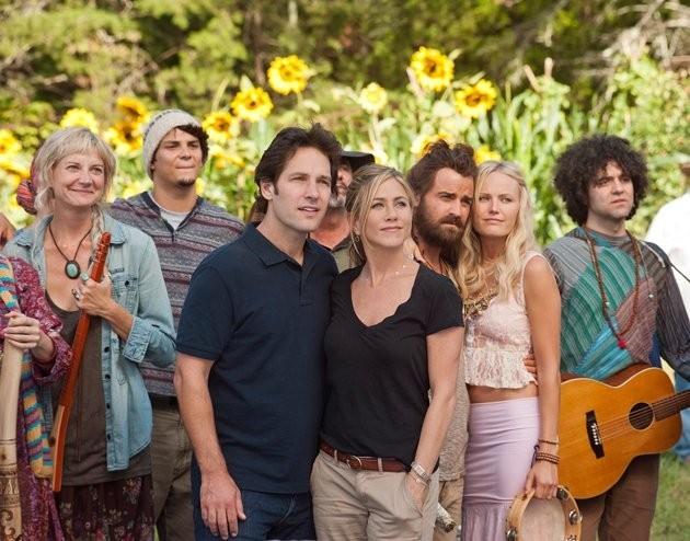 Jennifer Aniston con Justin Theroux, Malin Akerman e Paul Rudd in Nudi e Felici