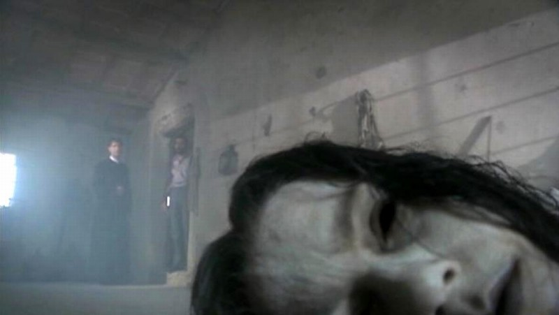 Colour from the Dark: una scena tratta dal film