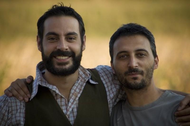 Il regista Ivan Zuccon in una foto promozionale con Michael Segal, protagonista di Colour from the Dark