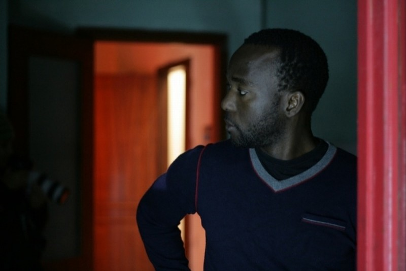 Là-bas: Kader Alassane in una scena del film