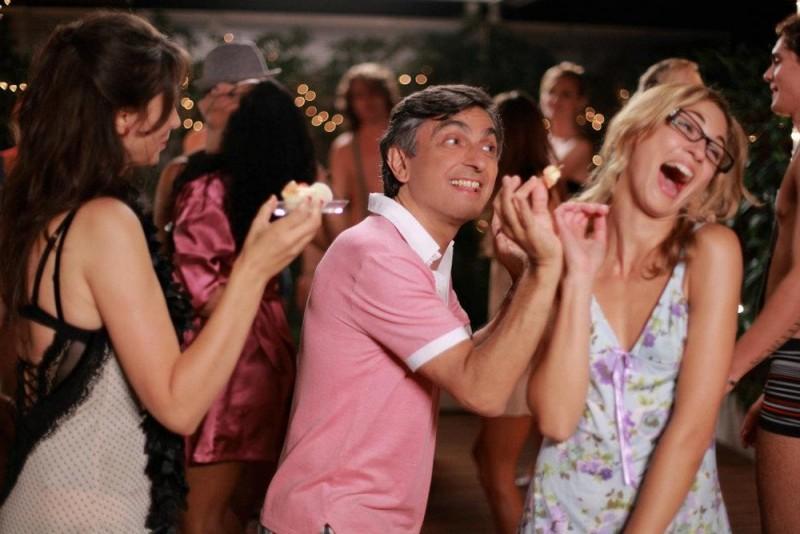 10 regole per fare innamorare: Vincenzo Salemme in una buffa scena del film