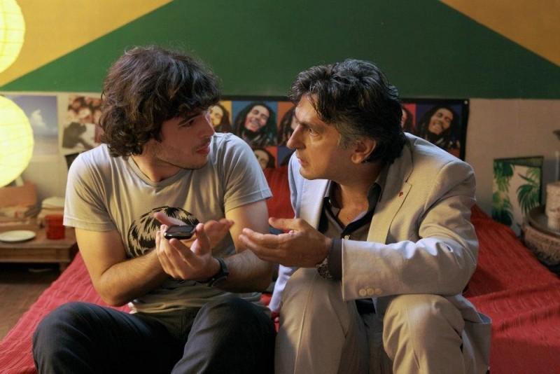10 regole per fare innamorare: Vincenzo Salemme in una scena del film con Guglielmo Scilla