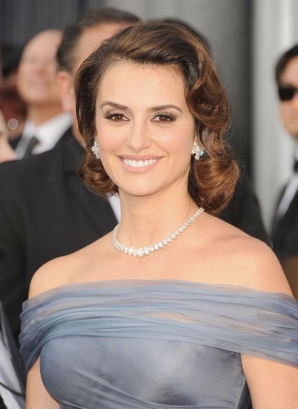 Oscar 2012: Penelope Cruz sul red carpet
