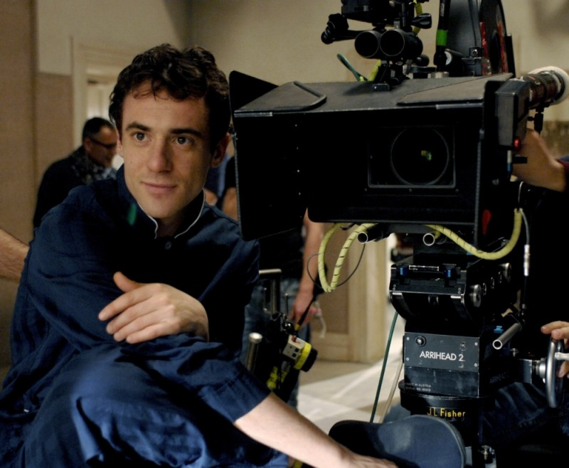 Elio Germano sul set del film Magnifica presenza