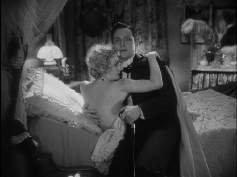 Fredric March con Miriam Hopkins in una scena de Il dottor Jekyll