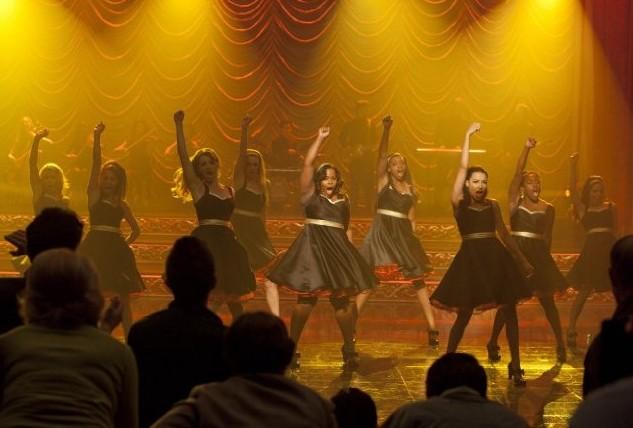 Glee: il cast impegnato nei Regionals nell'episodio On My Way