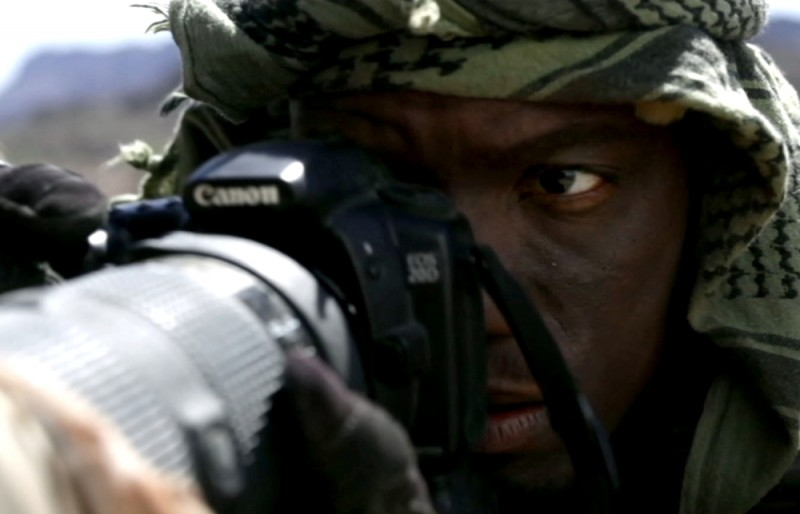 Act of Valor: un Navy Seal in azione in una scena del film