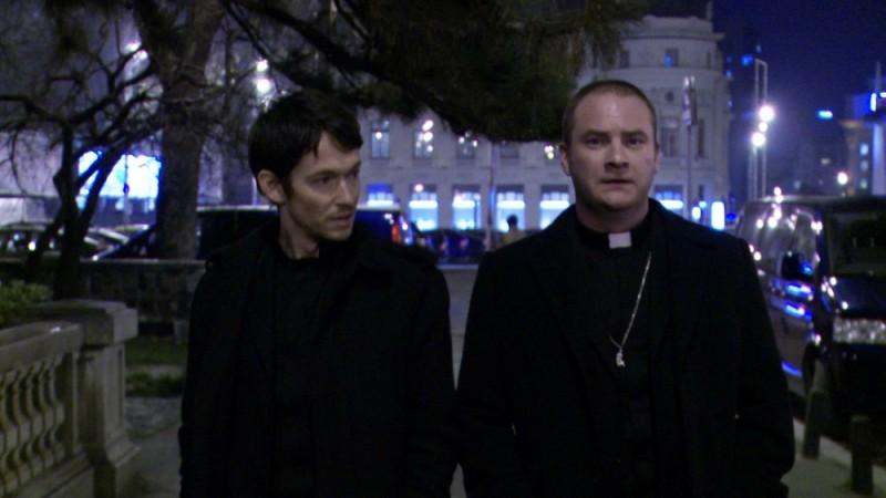 L'altra faccia del diavolo: Simon Quarterman con Evan Helmuth in una scena del film