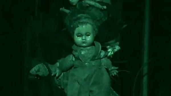 The River: una terrificante scena dell'episodio The Marbeley