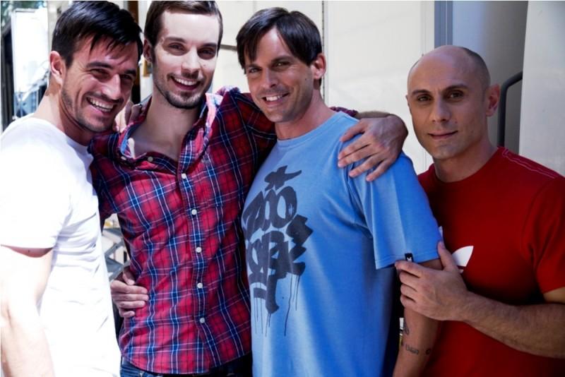 Good as You: il cast maschile al completo in una foto sul set