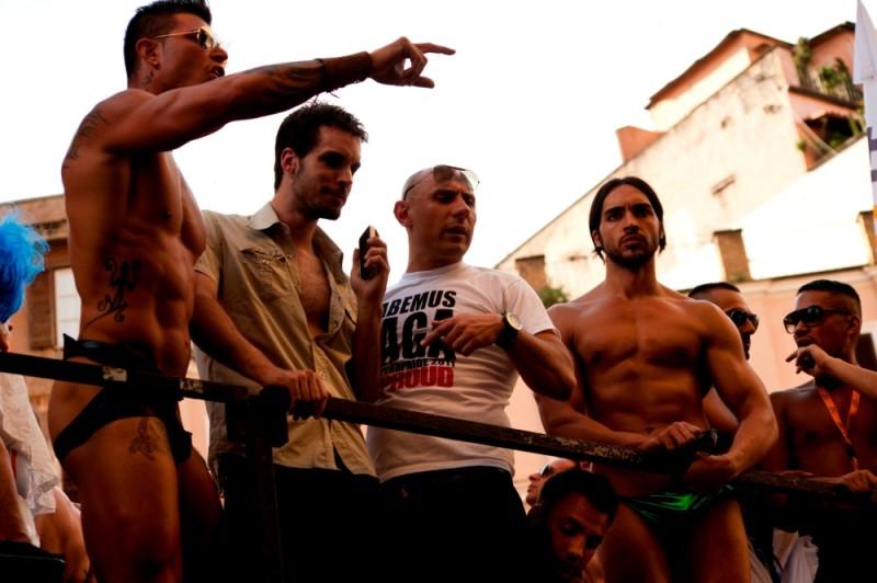 Good as You: Lorenzo Balducci e Diego Longobardi sul set durante il gay pride