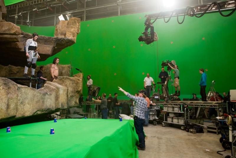 John Carter: il regista Andrew Stanton sul set insieme a Taylor Kitsch prepara una scena