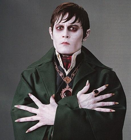 Johnny Depp nei panni del vampiro Barnabas Collins, protagonista di Dark Shadows