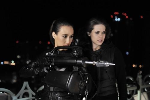Nikita: Lyndsy Fonseca e Maggie Q nell'episodio Game Change