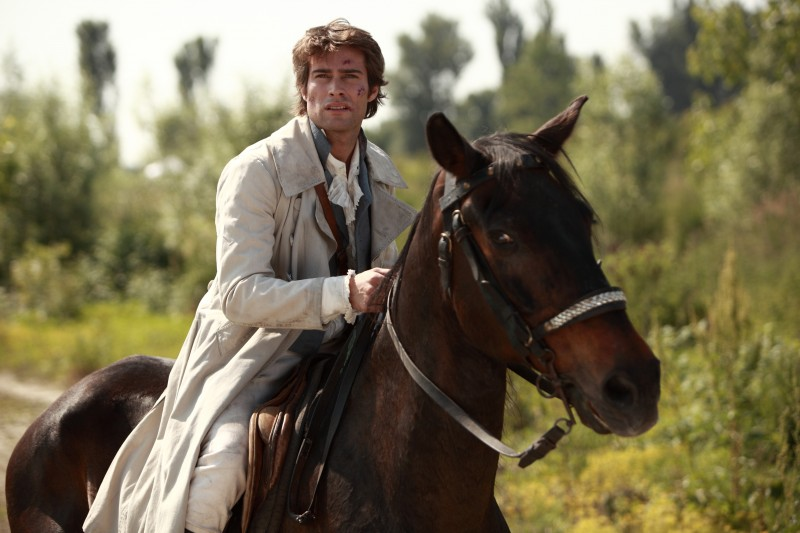 Rodrigo Guirao Diaz in una scena della fiction La Certosa di Parma