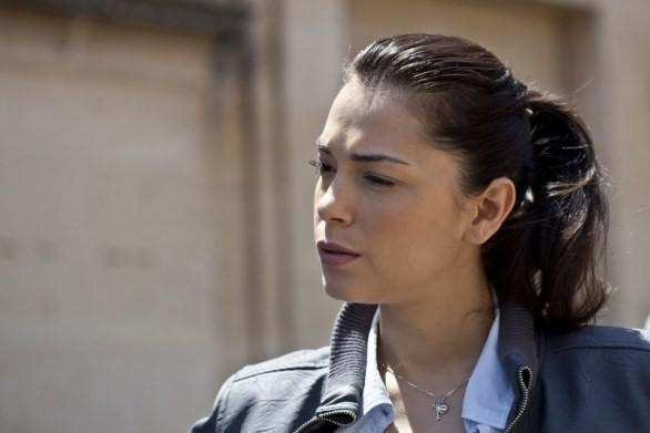 Giorgia Surina in una scena del film tv di Canale 5, Sei passi nel giallo - Souvenirs