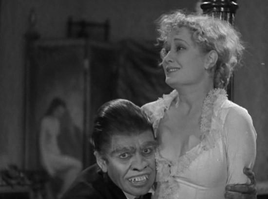Il dottor Jekyll: Fredric March con Miriam Hopkins in una scena del film