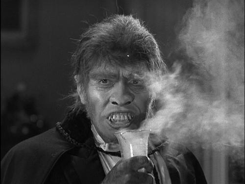 Il dottor Jekyll: Fredric March in una scena del film