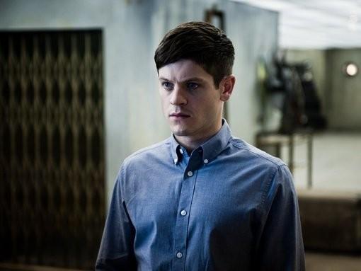 Misfits: Iwan Rheon in una scena del terzo episodio della stagione 3